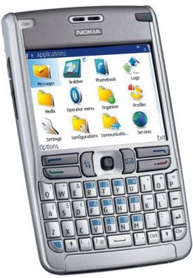 Il Nokia E61 in tutta la sua inquietante bellezza (...)